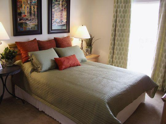 Spacious Bedroom – Planters Crossing Apartments on